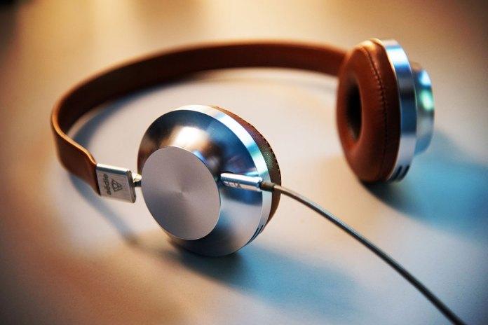 Memulai Mendengarkan Podcast