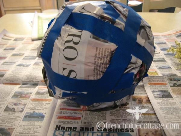 Newspaper tape sphere