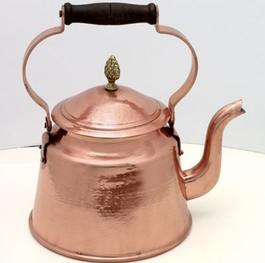 Kettle_with_wooden_handle_5.5_Quarts