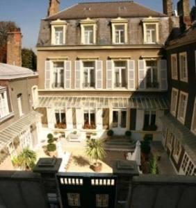 Boulogne B&B - Enclos de l'évêché