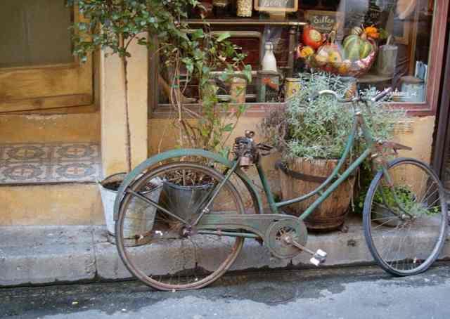 Bicycle, Saint-Remy-de-Provence