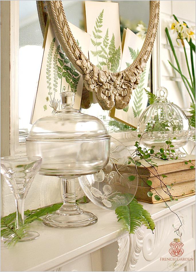 antiqueglassmanteldisplayclose
