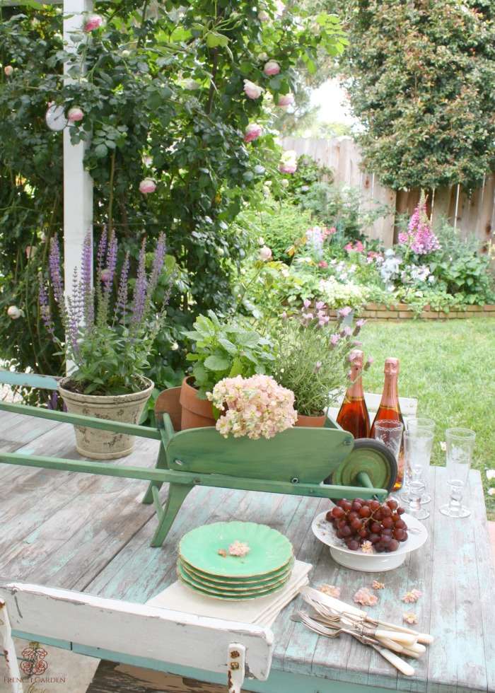 Not caught up in having everything matching they will gladly set an outdoor table with things they own. Antiques they bought on a special ... & FRENCH COUNTRY CASUAL SUMMER TABLE SETTING