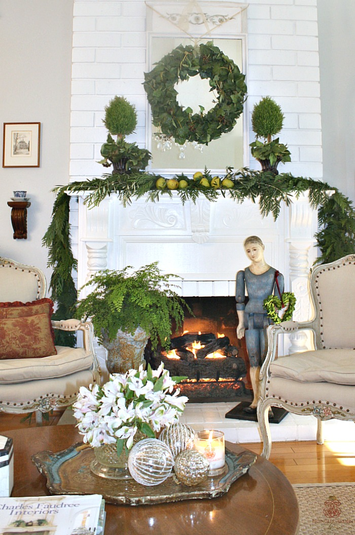 Make A Beautiful And Easy French Country Holiday Mantel