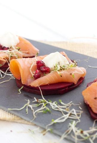 Beetroot toast with smoked salmon and horseradish mousse
