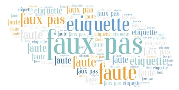 say faux pas in french