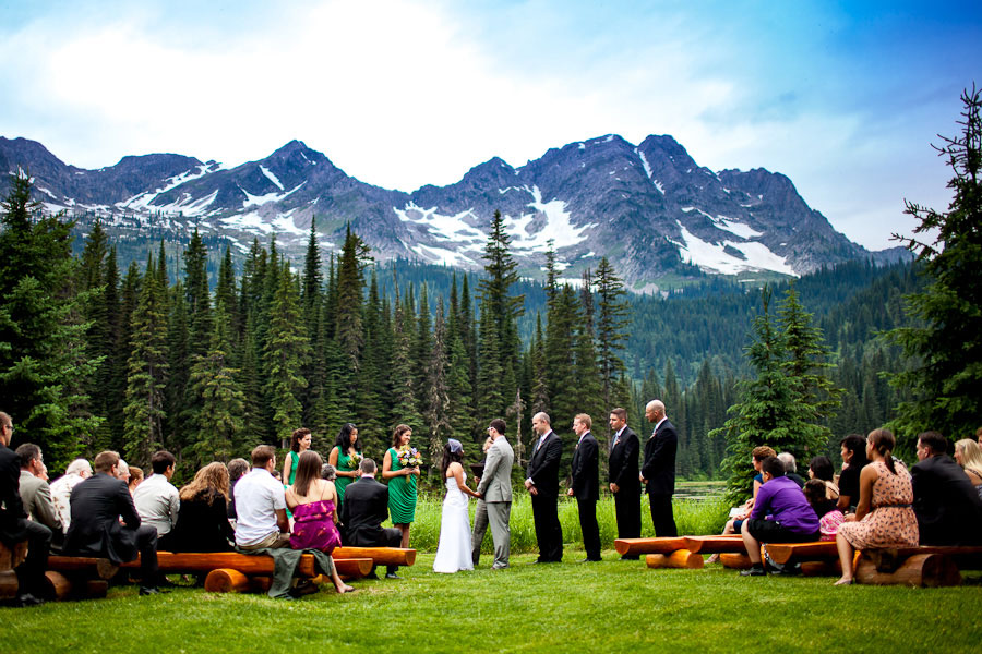 outdoor-wedding-by-a-lake-05