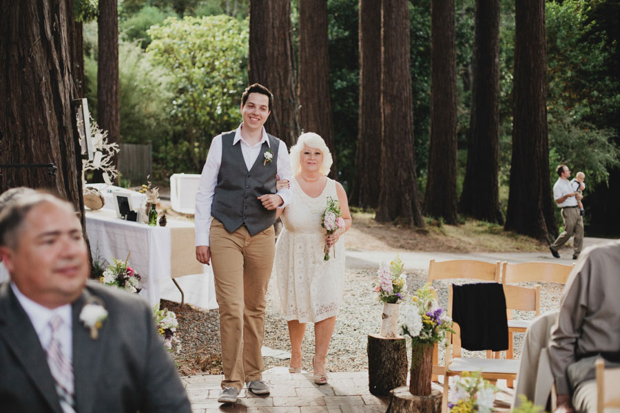 AirBnB-wedding-in-the-woods-14