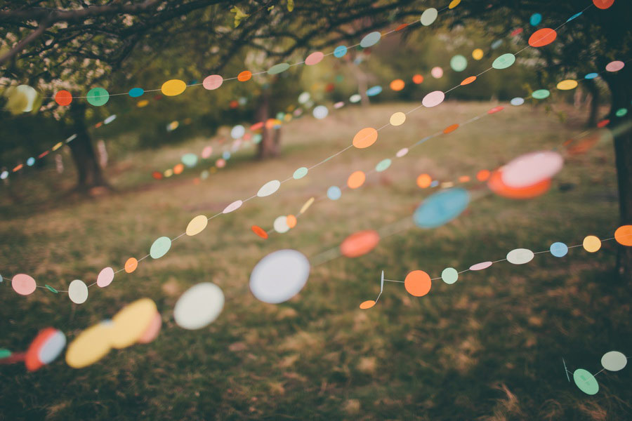 love-session-colorful-paper-garland-be-light-05
