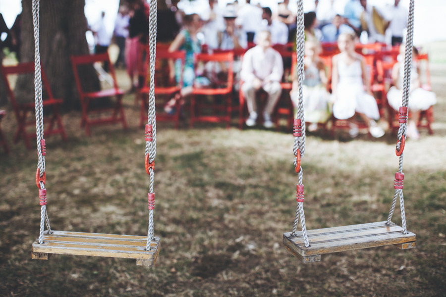 Very-Personalized-French-Wedding-a-Triplet-and-a-Bunch-of-Happy-Friends-14