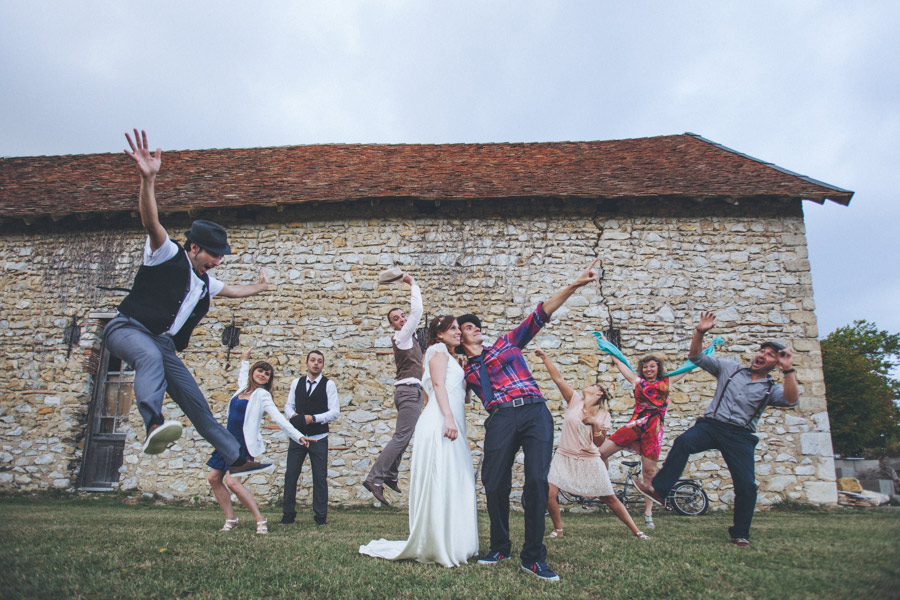 Very-Personalized-French-Wedding-a-Triplet-and-a-Bunch-of-Happy-Friends-28