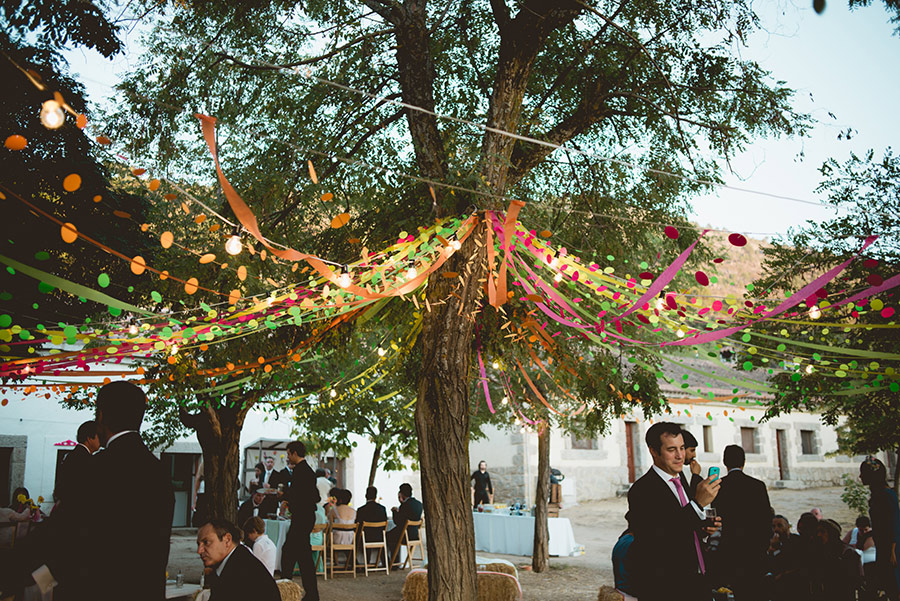 multicolor-spanish-wedding-national-park-25