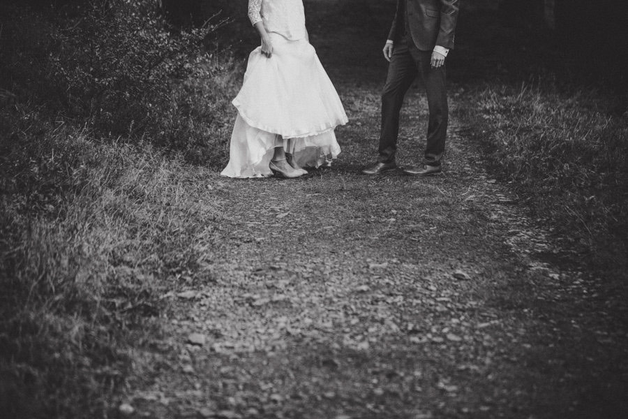 post-wedding-session-in-the-woods-photography-by-winter-06