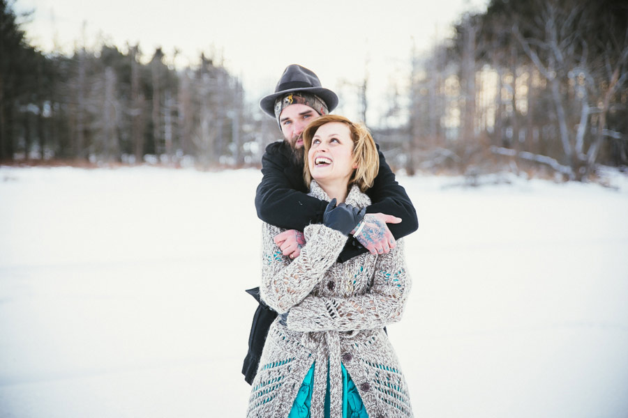 hipster-couple-session-snow-love-studio-00