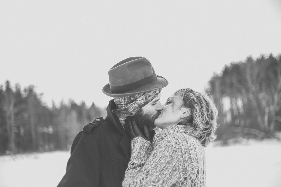 hipster-couple-session-snow-love-studio-16