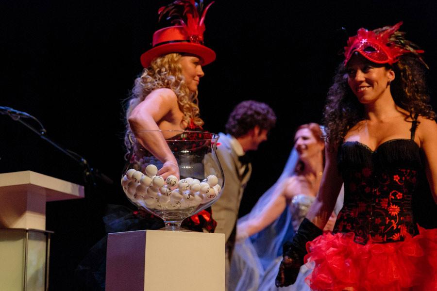 theater-circus-wedding-nicole-bosch-09