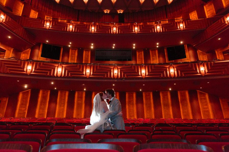theater-circus-wedding-nicole-bosch-17