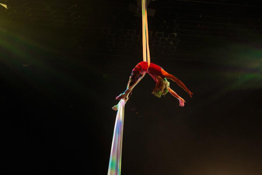 theater-circus-wedding-nicole-bosch-32