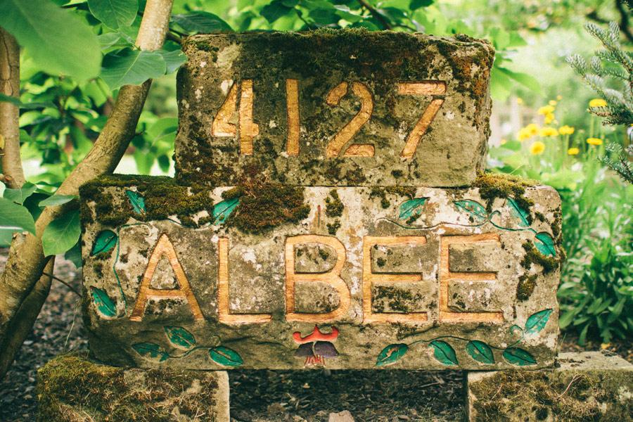 ?Backyard-Wedding-Animals-Giant-Letters-01