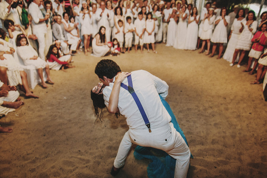wedding-on-isolated-beach-pablo-beglez-28