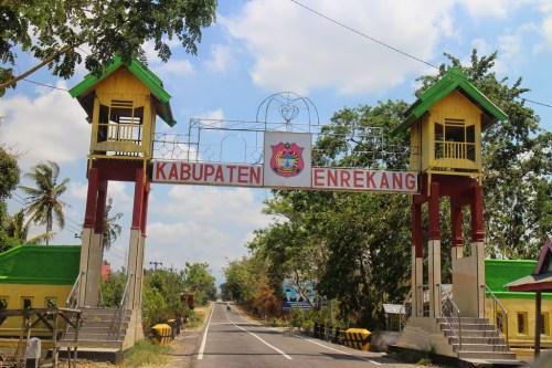 Géométrie dans espace, produit scalaire, paramétrique, terminale, Enrekang,Sulawesi