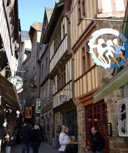 mount-main-street