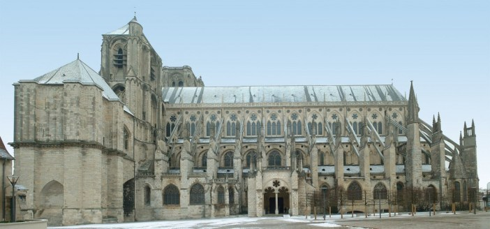 No transept in Bourges Cathedral © wagner51 - licence [CC BY-SA 2.0 fr] from Wikimedia Commons