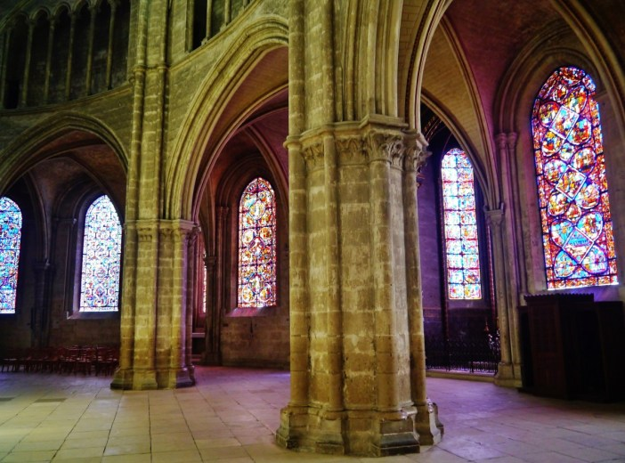 Bourges Cathedral Ambulatory © Zairon - licence [CC BY-SA 4.0] from Wikimedia Commons