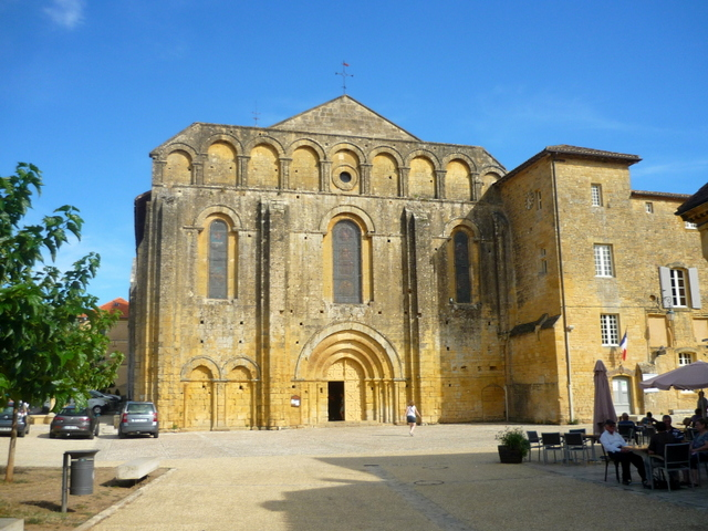 Cadouin Abbey © French Moments