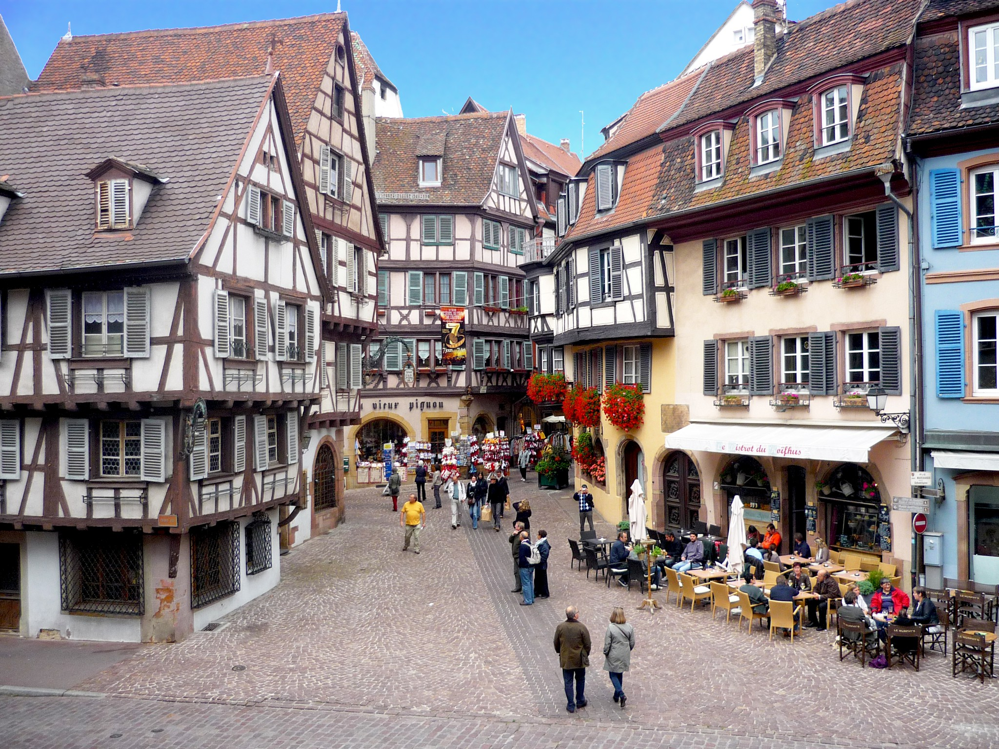 what you should see in colmar town moments