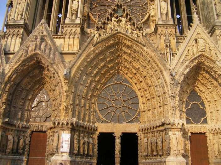 Main portals, Reims Cathedral © Amba, Creative Commons (CC BY-SA 3.0)