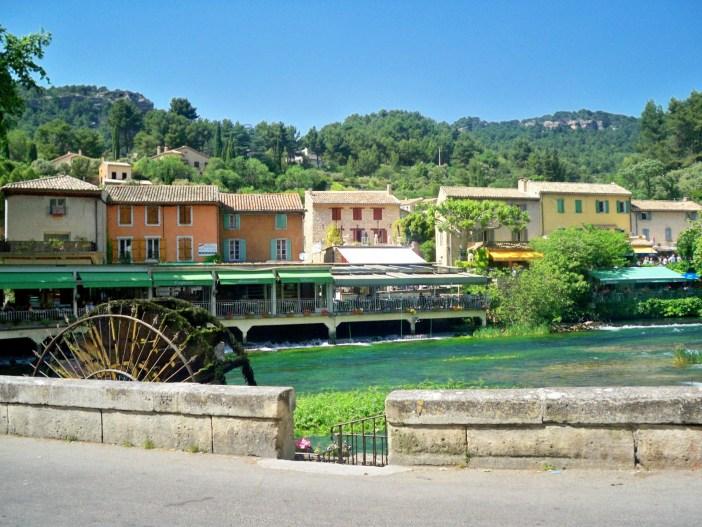 Fontaine de Vaucluse © Joseph Plotz  - licence [CC BY 3
