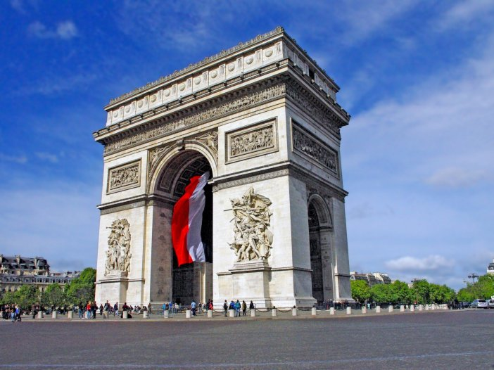 Arc de Triomphe © French Moments