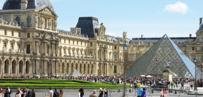 Parks and Gardens of Paris: The Carrousel Garden and the Louvre © French Moment