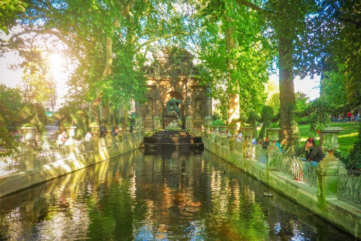 The Medici Fountain in the Luxembourg Gardens © French Moments