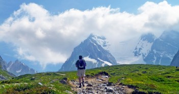 Walking to the Col de la Vanoise © French Moments