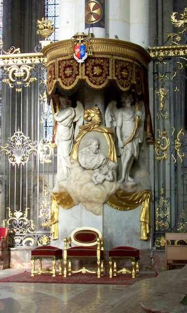 gothic kitchen cabinets amiens cathedral moments 1269