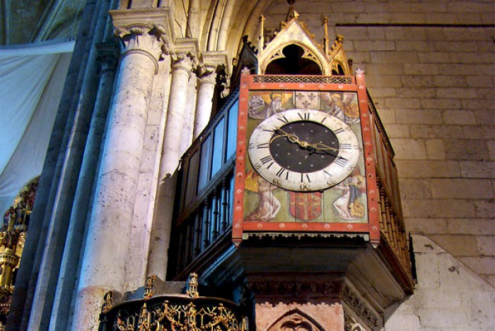 The medieval clock of Beauvais Cathedral © Tango7174 - licence [CC BY-SA 4.0] from Wikimedia Commons