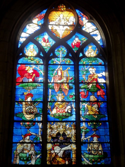 The Jesse Tree stained-glass in the church of Saint-Étienne [public domain]