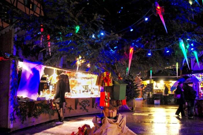 Christmas market on place des Six Montagnes Noires, Colmar © French Moments