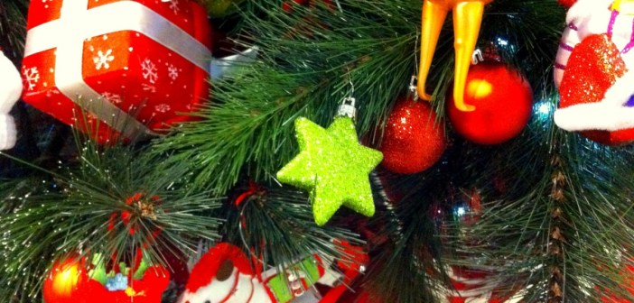 Christmas tree decorations © French Moments