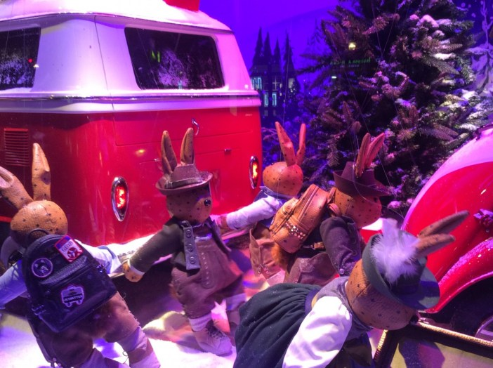2017 Christmas window display of Printemps © Sabrina Penniello