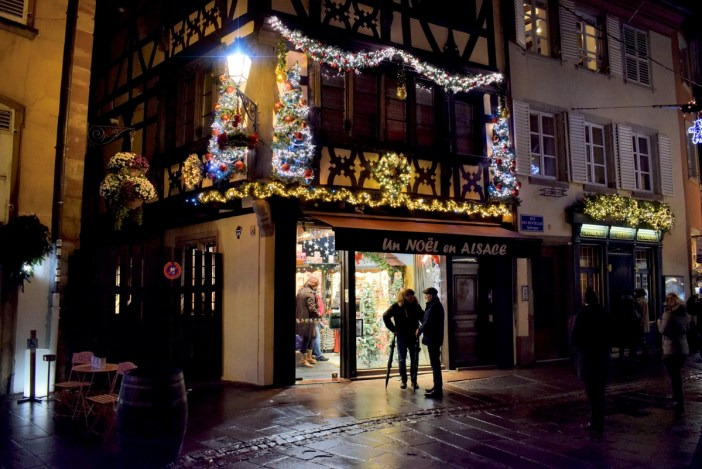Un Noël en Alsace, rue des Dentelles © French Moments