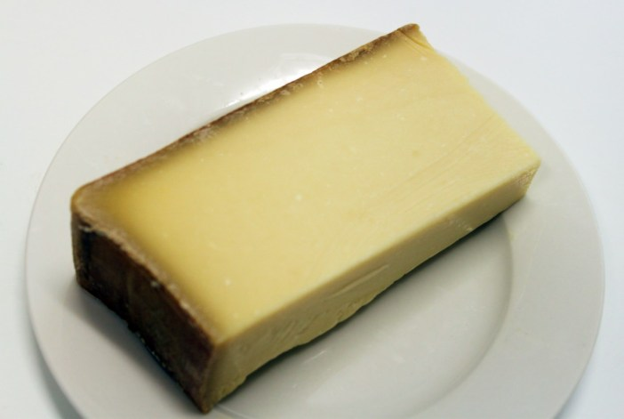 A slice of beaufort Cheese © French Moments