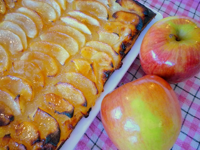 Tarte aux Pommes © French Moments