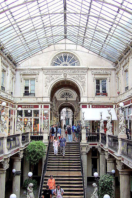 Passage Pommeraye © CC-BY-SA 3.0, from wikimedia commons
