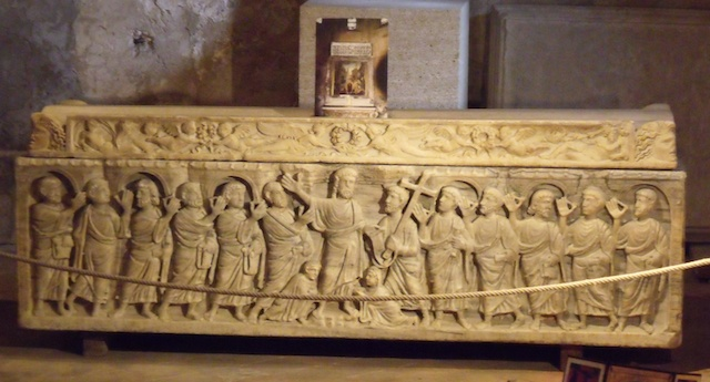 Sarcophage Mitre Cathedral of Aix-en-Provence © Photo: Malost, licence [CC BY-SA 3.0], from Wikimedia Commons
