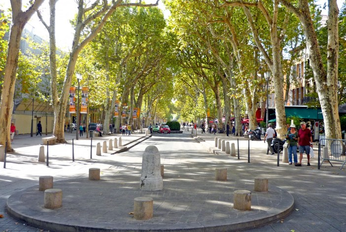 Cours Mirabeau Aix-en-Provence 02 © French Moments