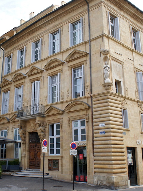 Hôtel d'Agut, Aix-en-Provence © Photo: JM Campaner, licence [CC BY-SA 3.0], from Wikimedia Commons
