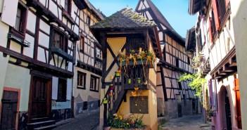 Eguisheim basse rue copyright French Moments
